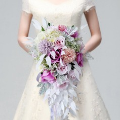 Cascade Bouquets de mariée -