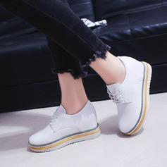 Mulheres PU Plataforma Fechados Calços com Aplicação de renda sapatos