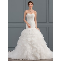 Trumpet/Mermaid Sweetheart Court Train Tulle Wedding Dress With Ruffle (002134802)