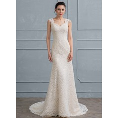 Sheath/Column Sweetheart Court Train Lace Wedding Dress With Bow(s)