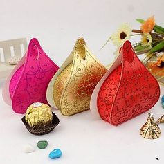 Classic Heart-shaped Card Paper Favor Boxes  (114024109)