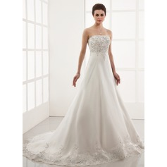 A-Line/Princess Sweetheart Chapel Train Organza Wedding Dress With Embroidered Lace Beading