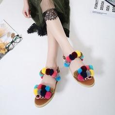 Kvinnor Konstläder Flat Heel Sandaler Platta Skor / Fritidsskor Peep Toe Slingbacks med Blomma skor