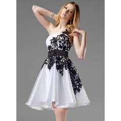 A-Line/Princess One-Shoulder Short/Mini Organza Homecoming Dress With Lace Sash Beading (022004454)