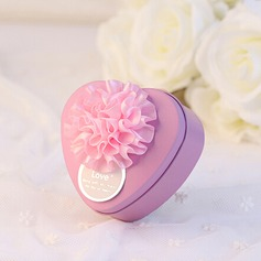 Herzförmige Zugunsten Zinn mit Blumen
