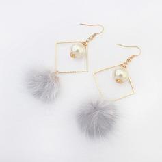 Chic Alliage De faux pearl Feather avec Feather Dames Boucles d'oreille de mode
