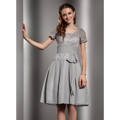 A-Line/Princess Square Neckline Knee-Length Chiffon Lace Homecoming Dress With Ruffle Bow(s) (022020676)