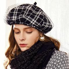 Damen Glamourös/Klassische Art/Hübsche Acryl mit Tüll Baskenmütze Hut