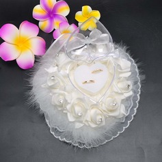 Lovely Ring Box in Satin/Lace With Feather/Loving Hearts (103090722)
