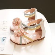A menina de Peep toe imitação de couro Sandálias Sem salto Sneakers & Athletic Sapatas do florista com Velcro Flor