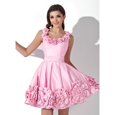 A-Line/Princess Scoop Neck Short/Mini Taffeta Homecoming Dress With Flower(s) (022021032)