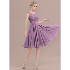 A-Line/Princess Square Neckline Knee-Length Chiffon Lace Homecoming Dress