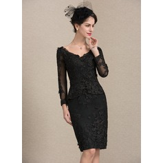 Sheath/Column V-neck Knee-Length Lace Cocktail Dress With Beading Sequins (016174115)