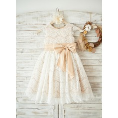 A-Line/Princess Knee-length Flower Girl Dress - Tulle/Lace Sleeveless Scoop Neck (010122618)