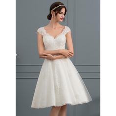 Трапеция V-образный Длина до колен Тюль Кружева Свадебные Платье