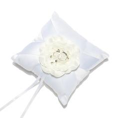 Delicado Descanso do anel em Cetim com Flores