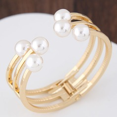 Exquisite Alloy With Imitation Pearl Ladies' Fashion Bracelets