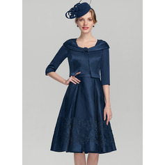 A-Line/Princess Square Neckline Knee-Length Satin Cocktail Dress With Appliques Lace