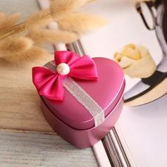Heart-shaped Tins Favor Tin