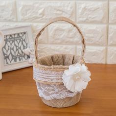 Kaunis Flower Basket sisään Satiini jossa Kukka