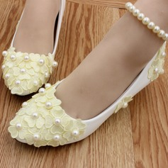Women's Leatherette Low Heel Closed Toe With Imitation Pearl Applique