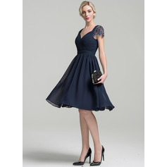 A-Line/Princess Sweetheart Knee-Length Chiffon Cocktail Dress With Ruffle Beading Sequins (016096560)