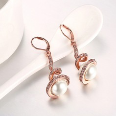 Exquisite Plastic Tin Alloy Ladies' Fashion Earrings