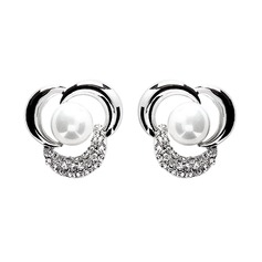 Gorgeous Alloy/Pearl Ladies' Earrings