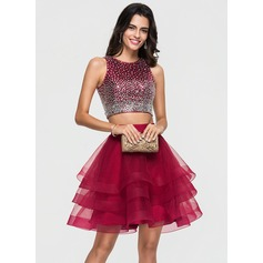A-Line/Princess Scoop Neck Short/Mini Tulle Homecoming Dress With Beading Sequins (022164884)