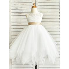 A-Line Scoop Neck Tea-Length Tulle Junior Bridesmaid Dress With Sash