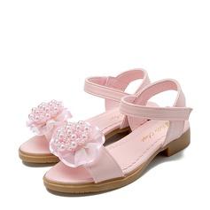 Jentas Titte Tå Leather flat Heel Sandaler Flate sko Flower Girl Shoes med Profilering Imitert Perle Velcro Blomst