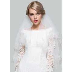 Fingertip Bridal Veils With Lace Applique Edge