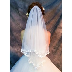 One-tier Lace Applique Edge Fingertip Bridal Veils With Lace (006121687)
