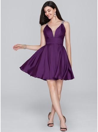 A-Line/Princess V-neck Short/Mini Satin Chiffon Homecoming Dress With Ruffle Beading