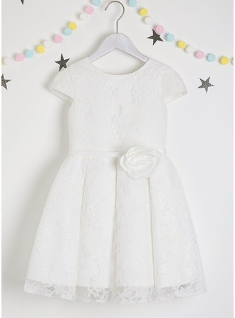 A-Line Knee-length Flower Girl Dress - Lace Short Sleeves Scoop Neck With Flower(s)