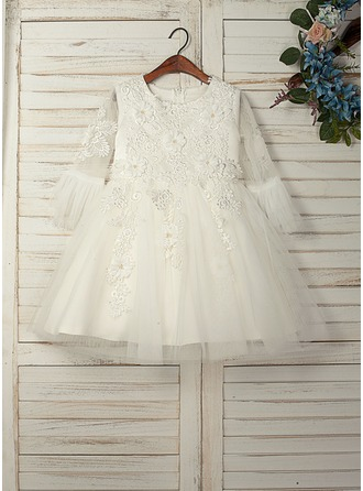 A-Line/Princess Knee-length Flower Girl Dress - Tulle/Lace 3/4 Sleeves Scoop Neck With Appliques