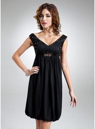 Empire V-neck Knee-Length Chiffon Homecoming Dress With Ruffle Beading