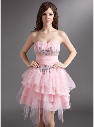 A-Line/Princess Sweetheart Knee-Length Chiffon Tulle Holiday Dress With Ruffle Beading