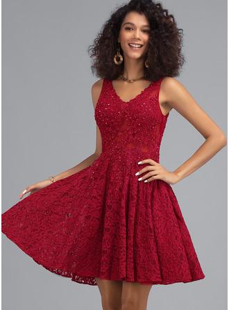 Corte A Decote V Curto/Mini Renda Vestido de boas vindas com Beading
