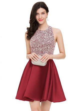 A-Line/Princess Halter Short/Mini Satin Homecoming Dress With Beading Sequins