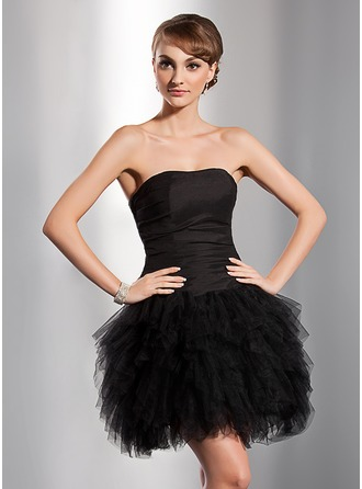 A-Line/Princess Sweetheart Short/Mini Tulle Homecoming Dress With Cascading Ruffles