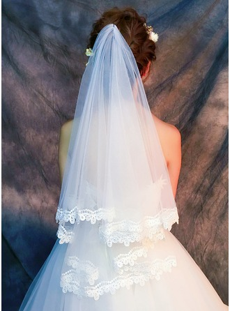 One-tier Lace Applique Edge Fingertip Bridal Veils With Lace
