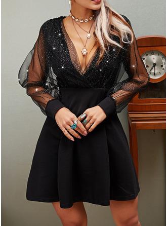 Paljetter Solid A-linjeklänning Långa ärmar Mini Den lilla svarta Party skater Modeklänningar