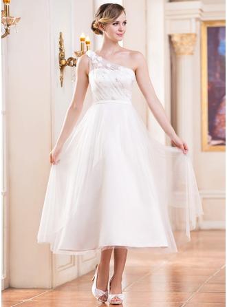 Corte A/Princesa Un sólo hombro Hasta la tibia Tul Vestido de novia con Volantes Bordado Flores Lentejuelas