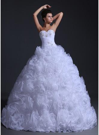 Corte de baile Escote corazón Hasta el suelo Organdí Vestido de novia con Volantes Bordado