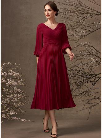 Трапеция V-образный Длина ниже колен шифон Платье Для Матери Невесты с Плиссированный