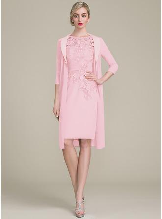 Etui-Linie U-Ausschnitt Knielang Chiffon Spitze Kleid für die Brautmutter mit Rüschen Perlstickerei