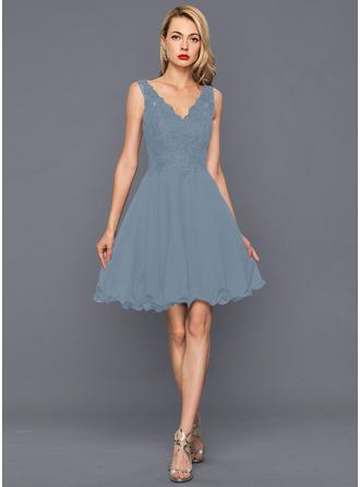 A-Line V-neck Knee-Length Chiffon Homecoming Dress With Sequins