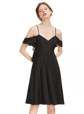A-Line/Princess V-neck Knee-Length Jersey Homecoming Dress With Cascading Ruffles