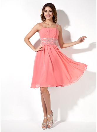 A-Line Square Neckline Knee-Length Chiffon Homecoming Dress With Ruffle Beading